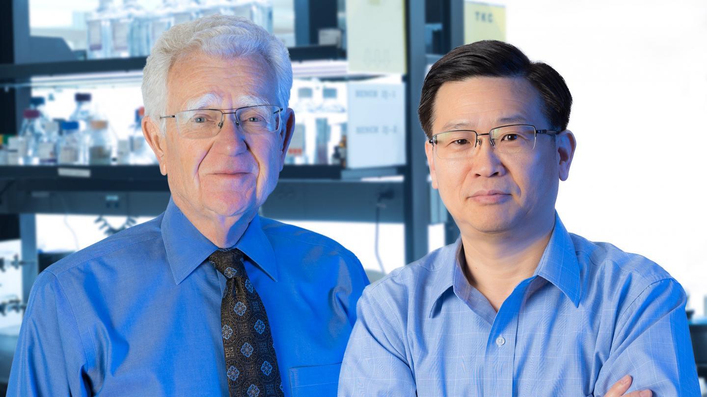 Robert Mahley and Yadong Huang