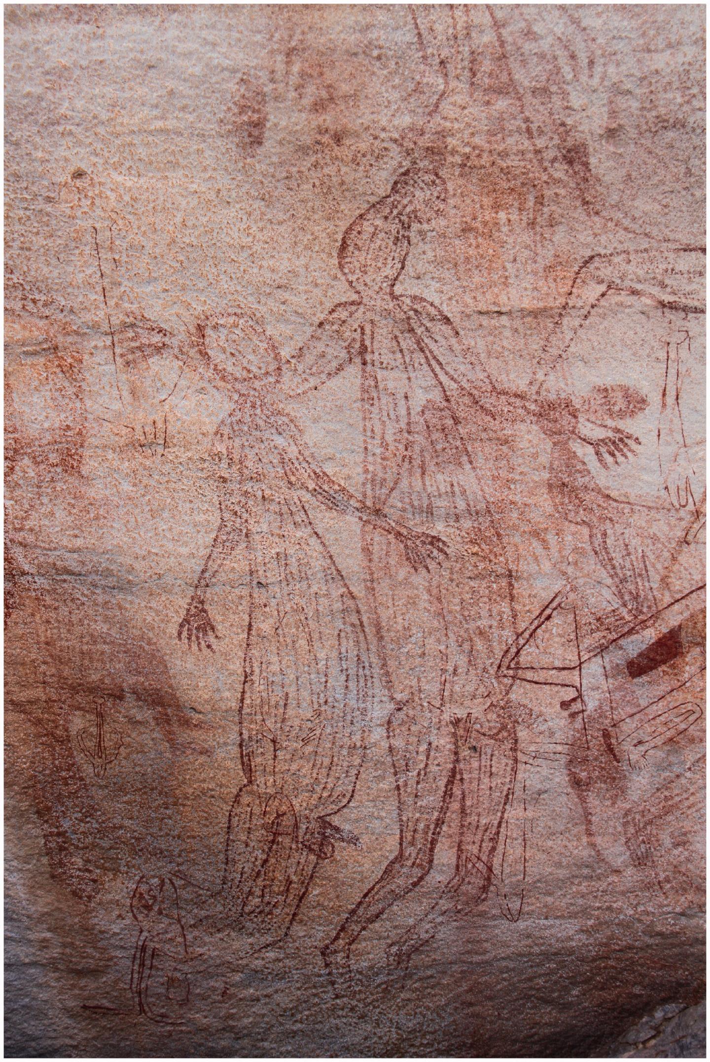 Large male Maliwawa human figures from an Awunbarna site
