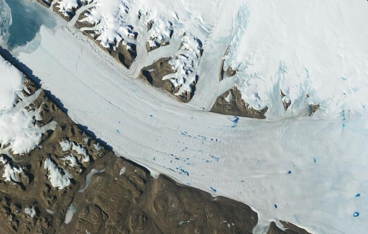 Ice in Motion: Satellites Capture Decades of Change