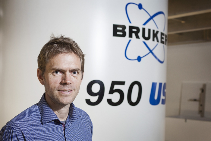 Danish NMR center is part of a new EU consortium coordinated by CNRS, aiming to provide effective and convenient access to the best research infrastructures in solid-state NMR available to researchers from both academia and industry .