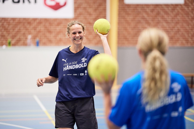 Female team handball player
