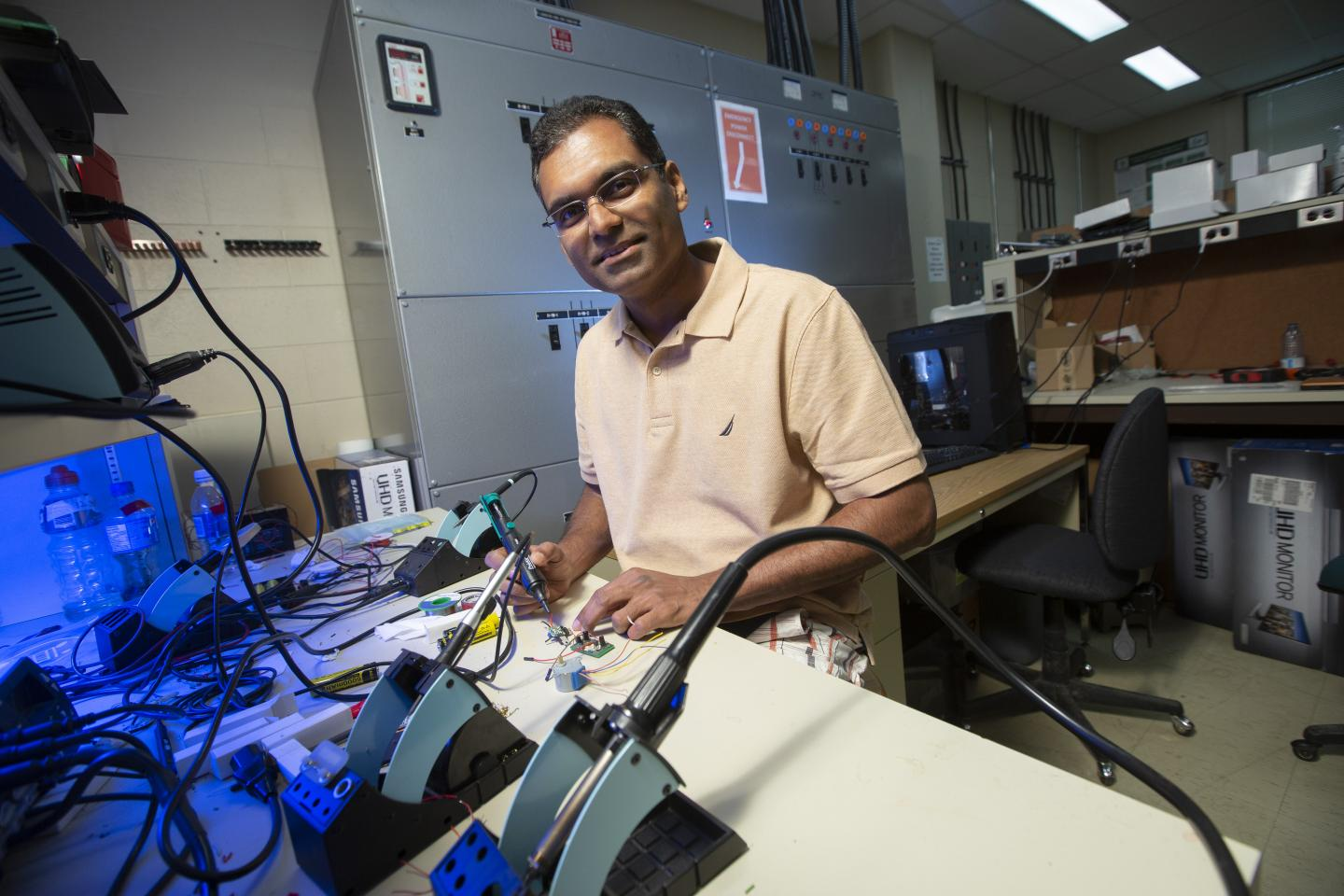 Usask Researcher Khan Wahid at the Lab Bench