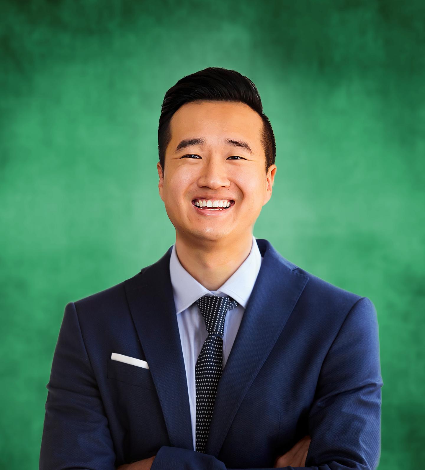 Dr. Shixie Jiang headshot