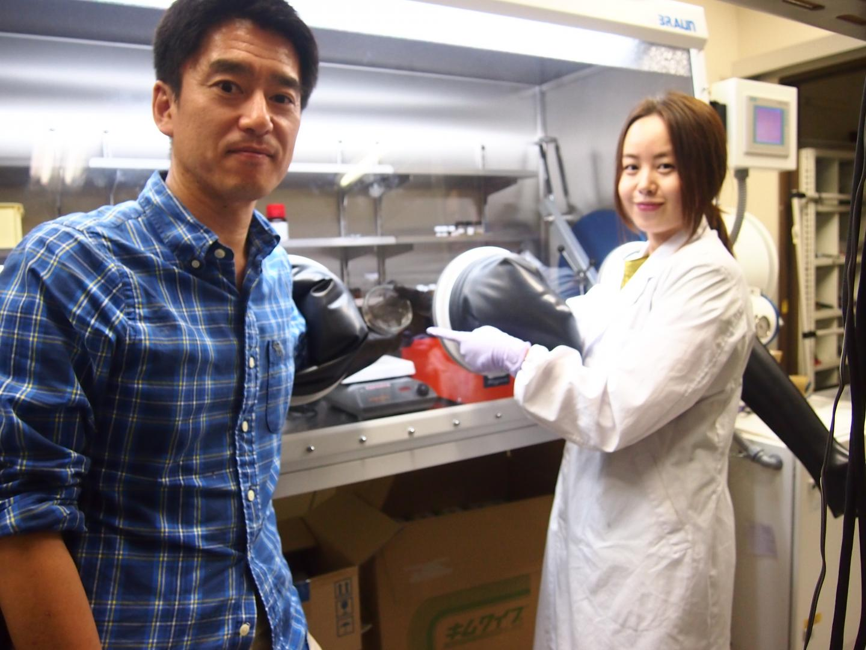Ken-ichi Saitow and Yunzi Xin, Hiroshima University