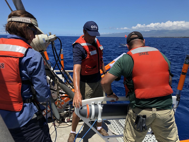 Eric Attias and team deploy CSEM system offshore Hawaii island.jpg