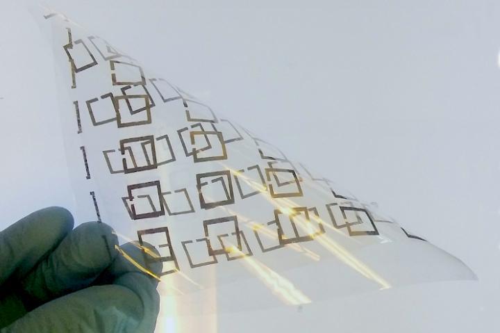 Microwave resonator metameterial