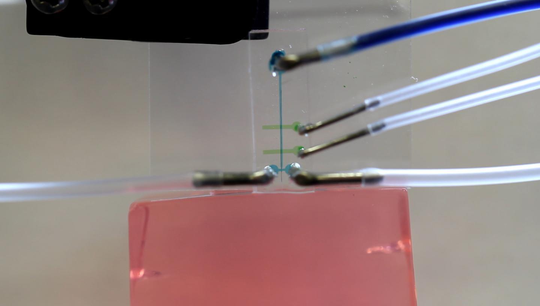 Microfluid Device Delivers Nanotube Fiber