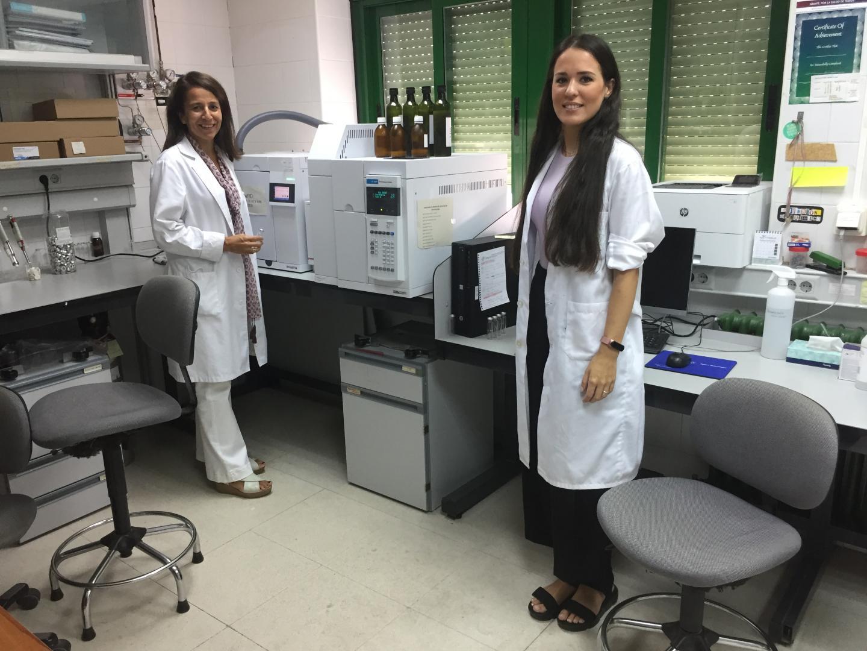 Lourdes Arce and Natividad Jurado, investigators of the study
