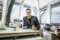 Kasper Moth-Poulsen, Chalmers University of Technology