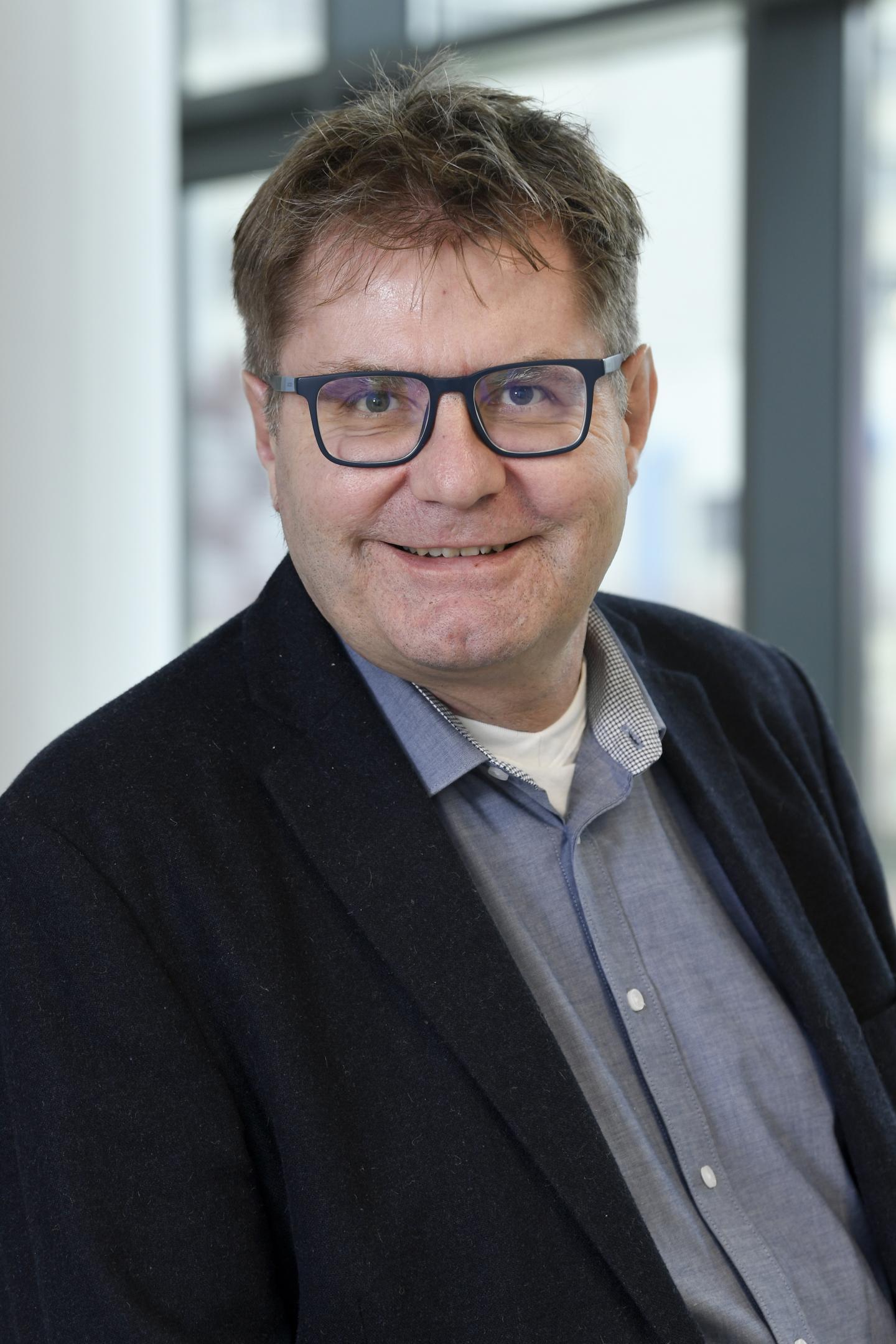 Professor Dr. Norbert Sewald, Bielefeld University
