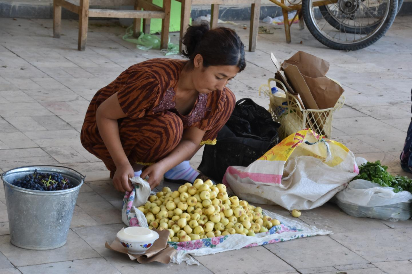Selling Apples in the Bukhara Market