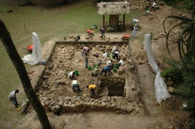 Ceibal Excavation (1 of 3)