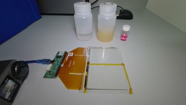 Smartphone screens effective sensors for soil or water contamination