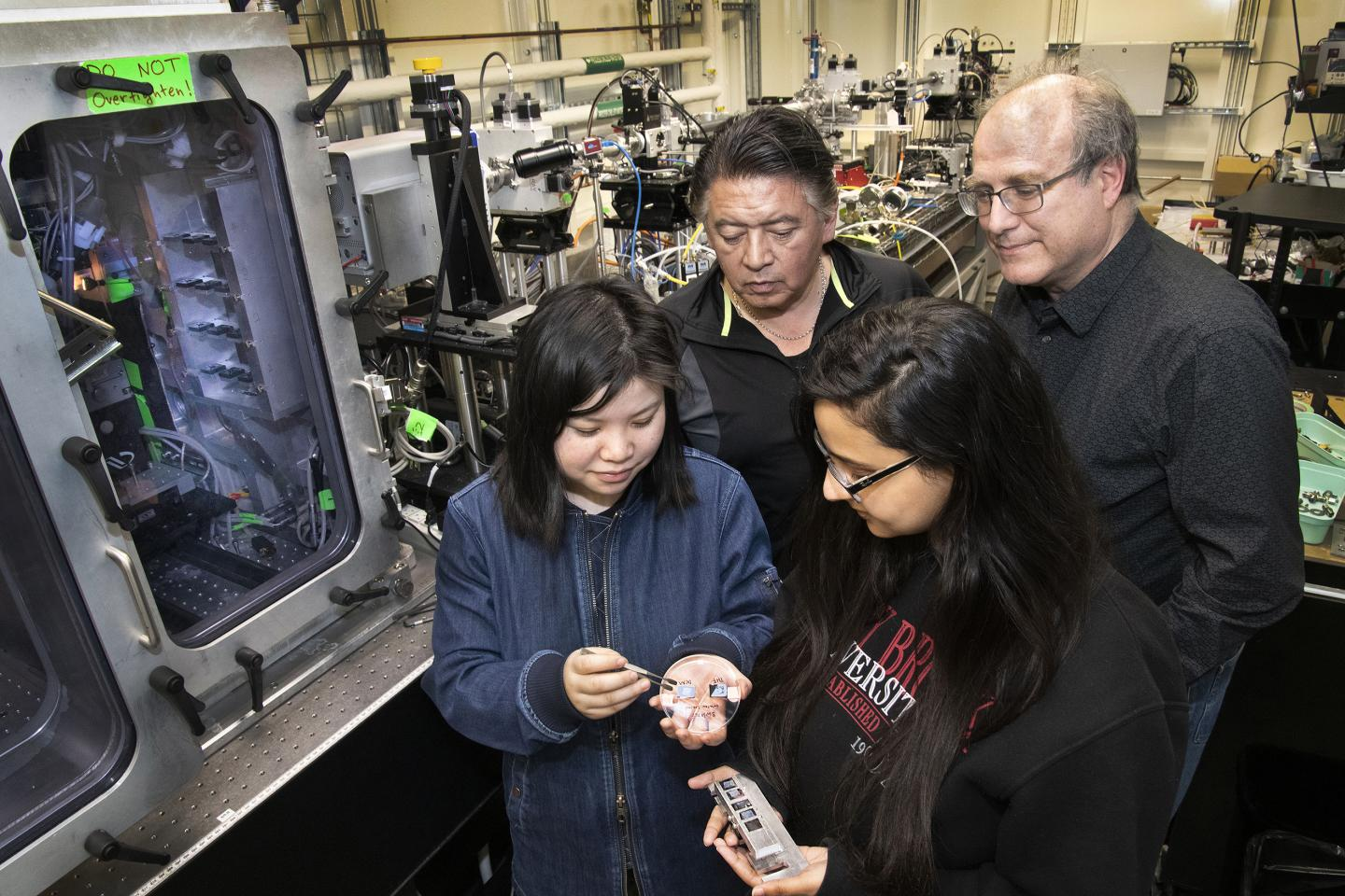 Research Team at the CMS Beamline
