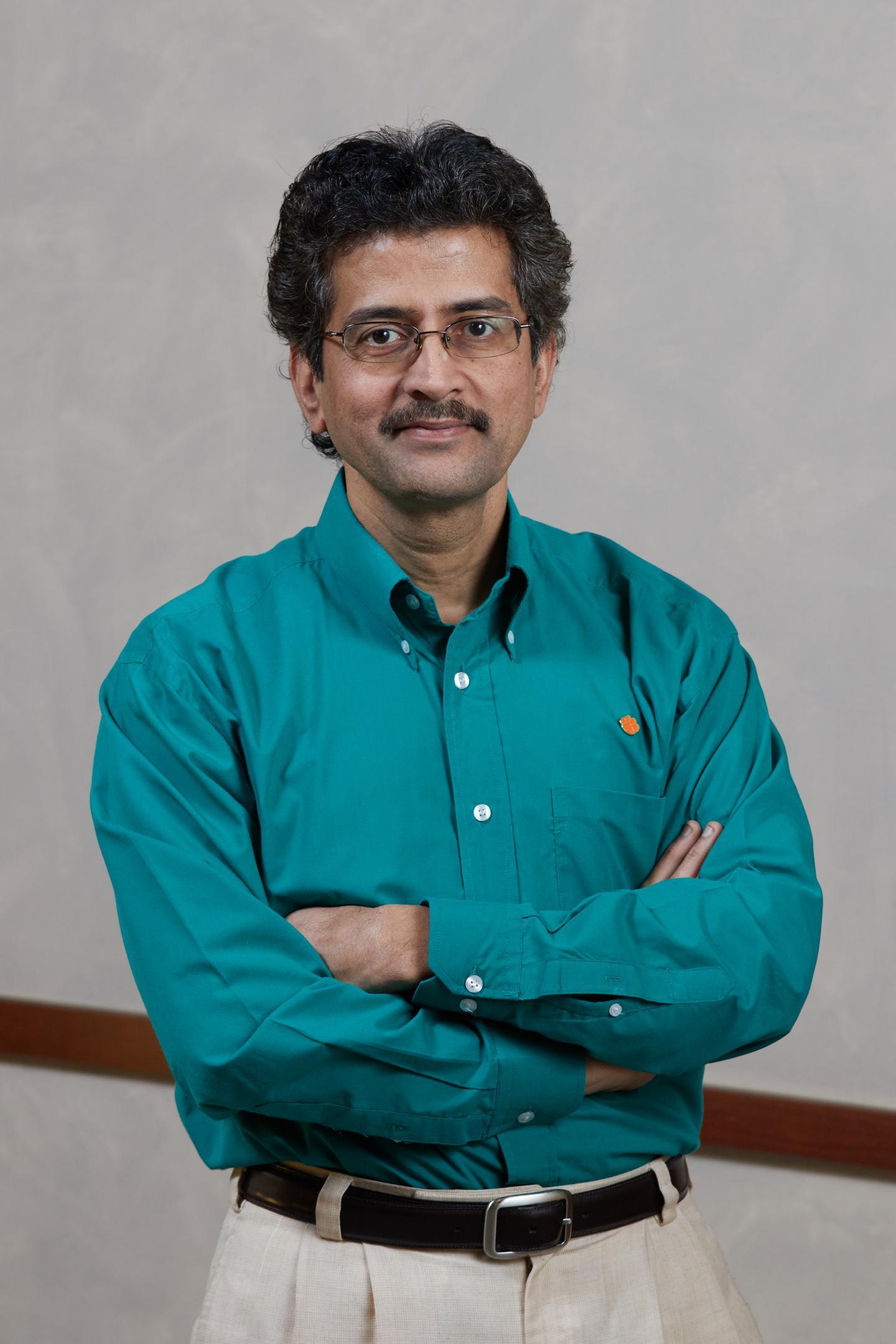 Profesor Apparao Rao, Clemson University