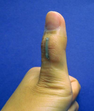 Silver Nanowire Sensor Tracks Thumb Movement