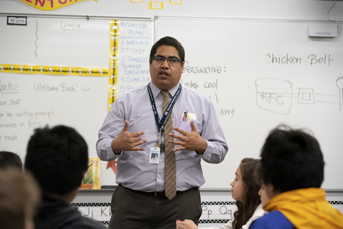 Praising middle school students improves classroom behavior