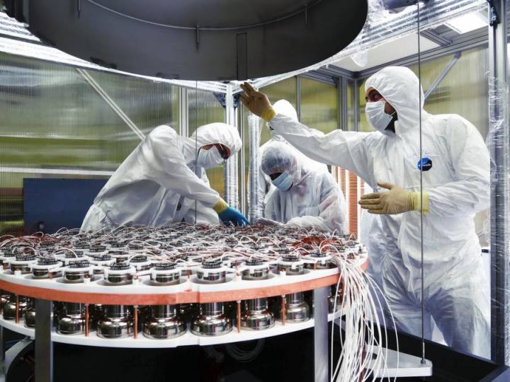 Construction of XENON Detector