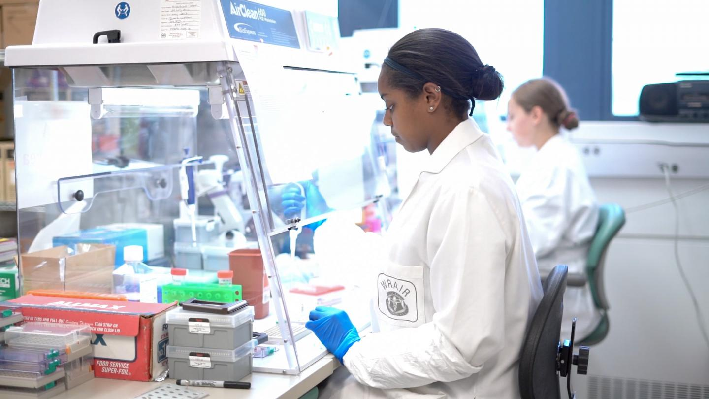 The Thomas Lab at the US Military HIV Research Program