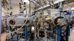 A molecular beam epitaxy machine
