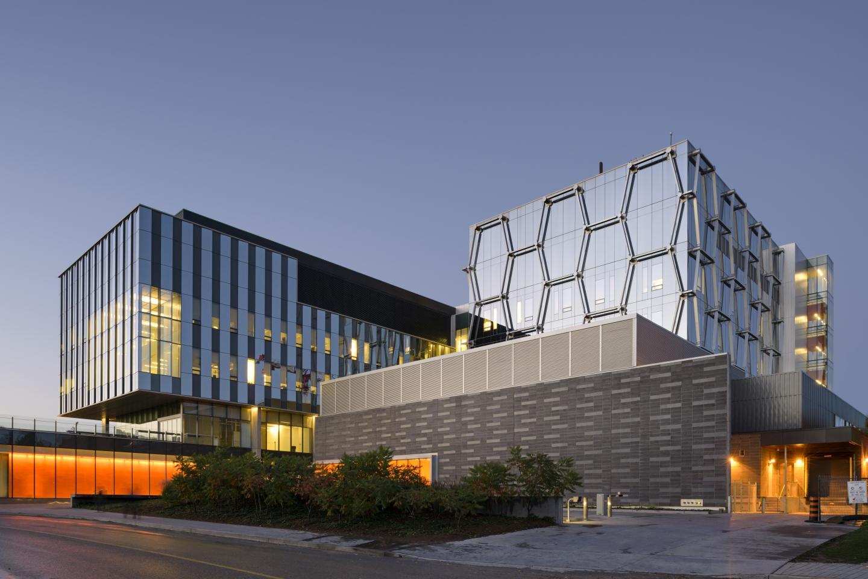 Đại học Waterloo được mệnh danh là thung lũng Silicon của miền Bắc