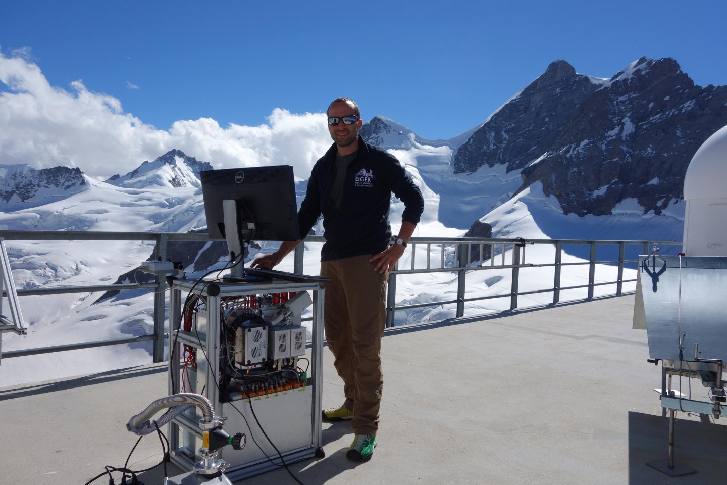 From Jungfraujoch Station: How New Atmospheric Aerosols Form (1 of 2)
