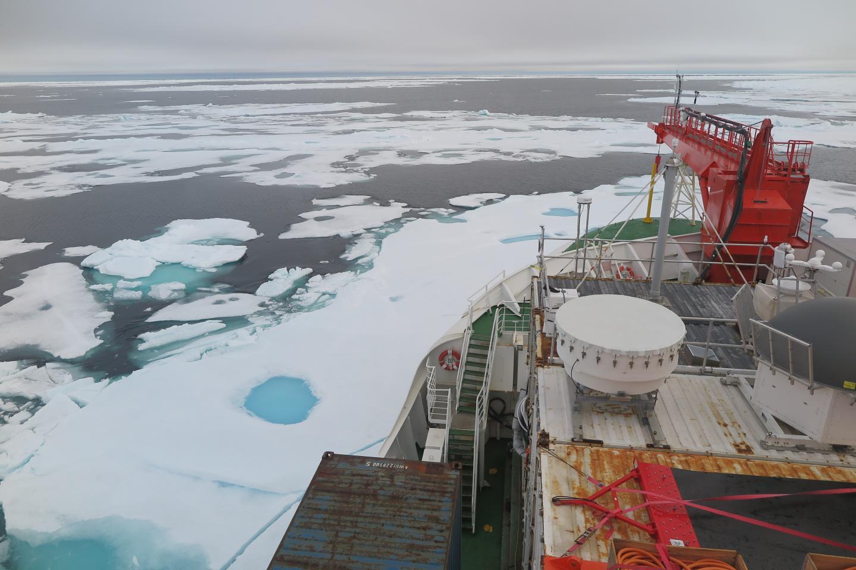 Polarstern icebreaker in Wandel Sea