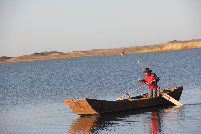 Bacteria Sampling in Freshwater Laker Gobi Desert