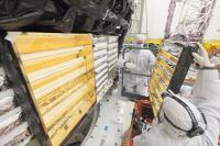 Engineers Reinstall Baffles into JWST 2