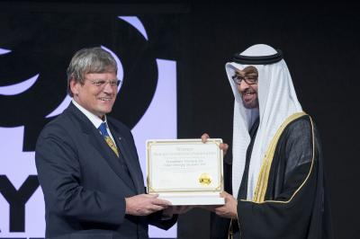 Fraunhofer Solar Researchers Are Awarded the Coveted Zayed Future Energy Prize 2014