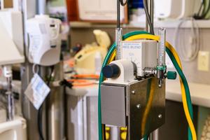 Automatic oxygen control device