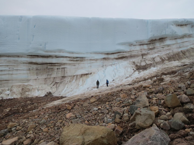 Hiking along the Greenland Ice Sheet
