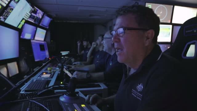 Scientists explore with ROV SuBastian