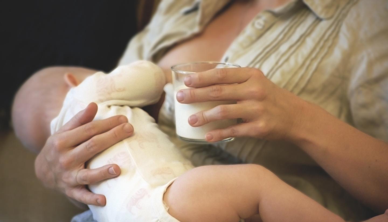Milk while Breastfeeding Reduces Allergy Risk