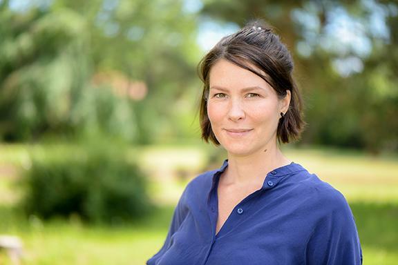 Dr. Nadine Töpfer