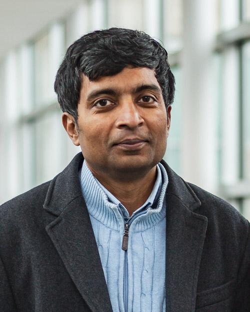 Dr. Latifur Khan, professor of computer science in the Erik Jonsson School of Engineering and Computer Science