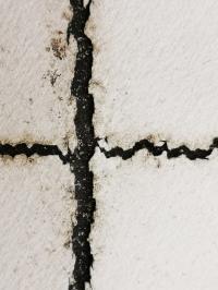 Backsheet cracks