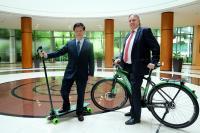 NTU Professor Lam Khin Yong and Schaeffler Deputy CEO Prof Peter Gutzmer