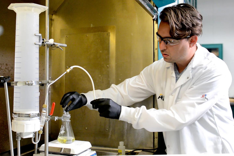 Nanopowder To Liquid Releases Hydrogen
