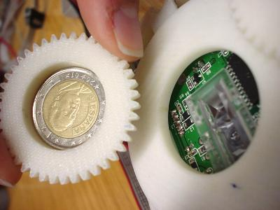 Detection of False 2-Euro Coin (1 of 2)