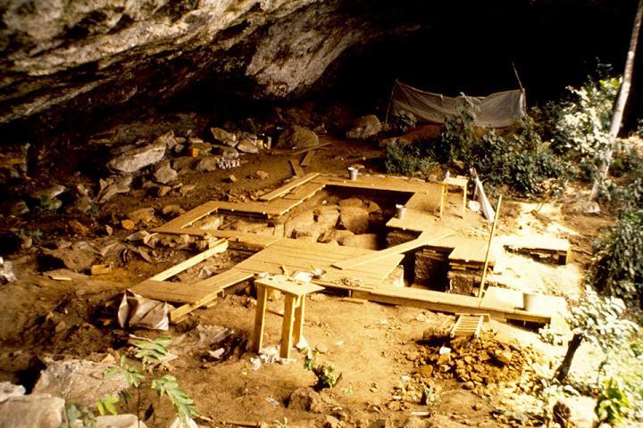Shum Laka Rock Shelter