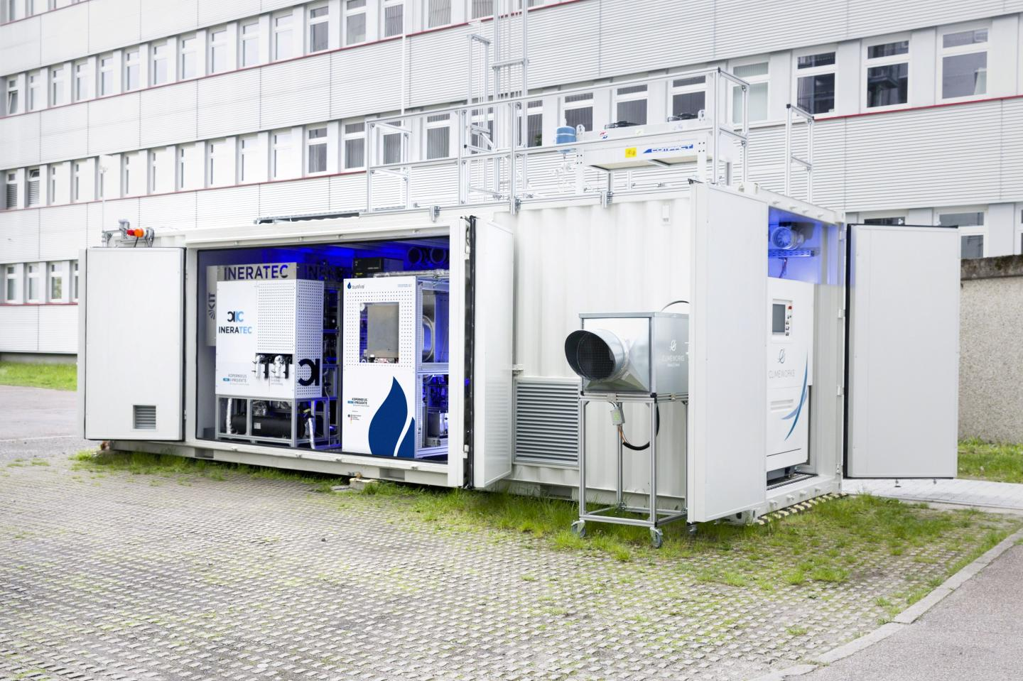 World's First Integrated Power-To-Liquid Test Facility to Synthesize Fuels from Air-Captured Carbon