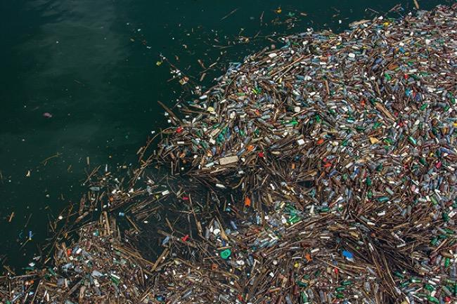 McMaster Researcher Warns Plastic Pollution in the Great Lakes Is a Growing Concern to Ecosystem
