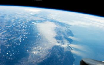 Photo from the International Space Station in January 2014: No Snow on California's Mountains