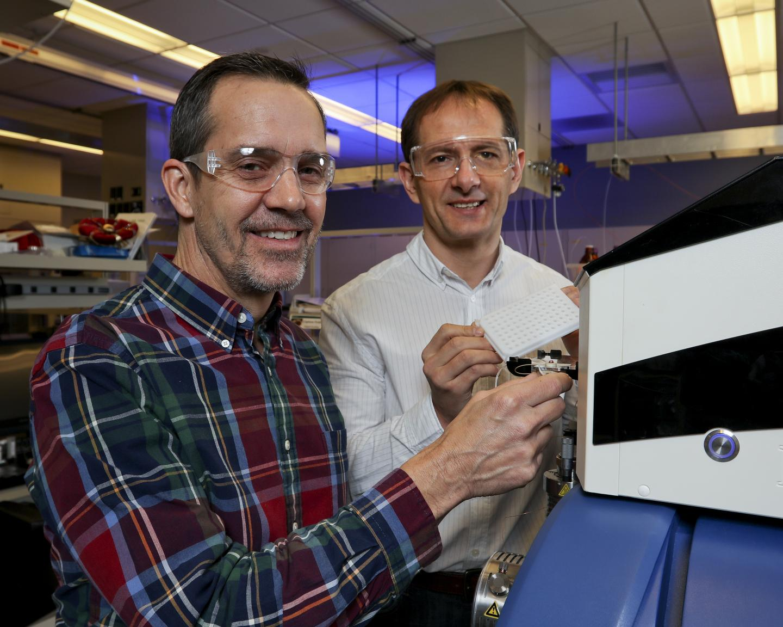 Gary Van Berkel (left) and Vilmos Kertesz, DOE/Oak Ridge National Laboratory