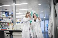Dr Sarah Best (left) and Dr Kate Sutherland