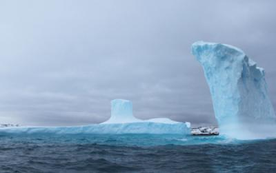 Icebergs in the Southern Ocean