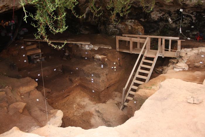 Contrebandiers Cave