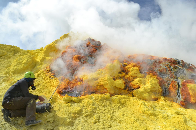 Volcanic Gas Sampling, Chile