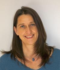 Dr. Claudia Fichtel